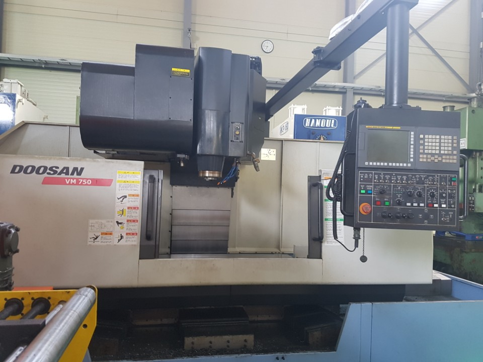 Doosan Machiningcenter VM750(2013,BT50,ATC30,RPM8000,FANUC 31i)