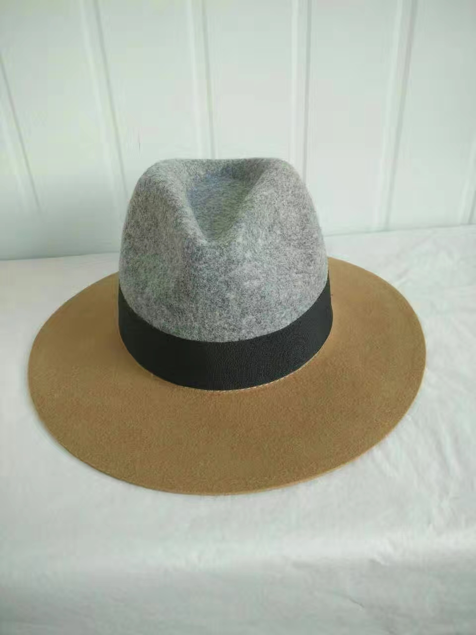 single design women and man felt hat