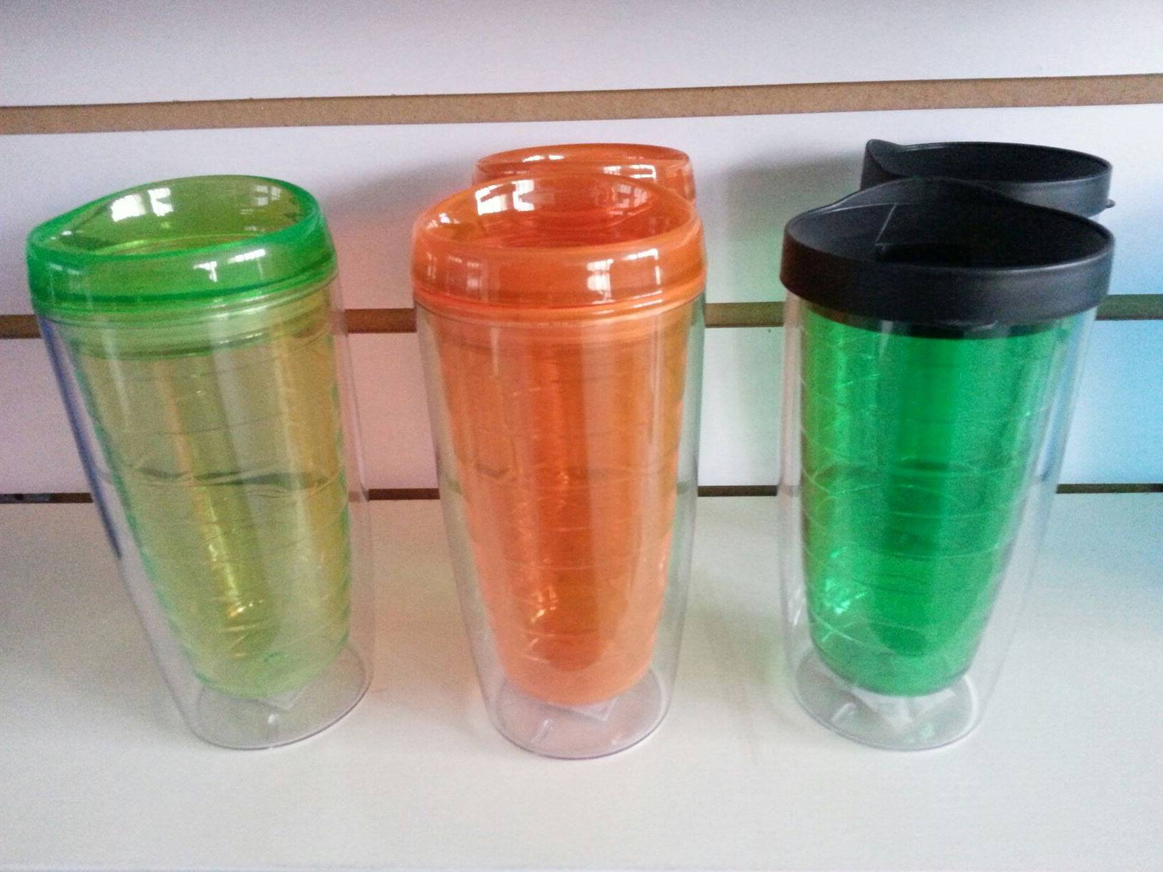 5% discount double wall clear plastic mug in various colors double wall plastic cups with pp lid