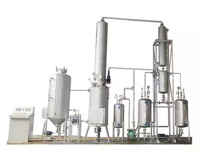 Purely physical regeneration of waste oil distillation apparatus sets