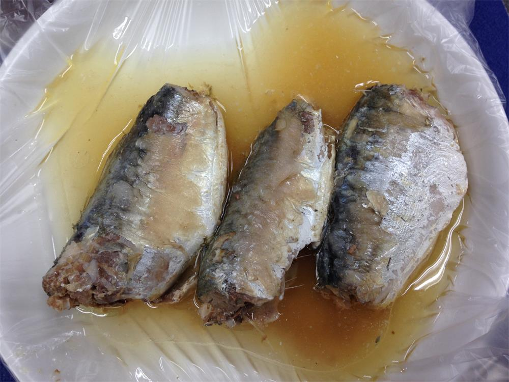 top quality canned mackerel directly from manufacturer,425g canned mackerel in vegetable oil
