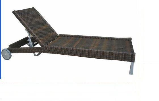 2013 swimming pool side rattan chaise lounge