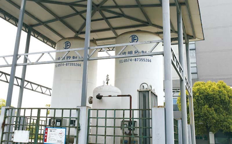 Cryogenic Liquid Storage Tank