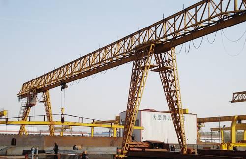 Trussed type gantry crane