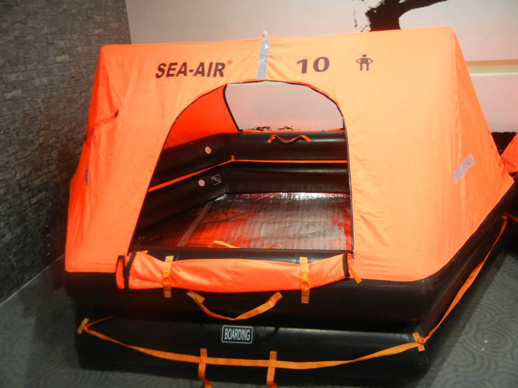marine inflatable throw-over life raft