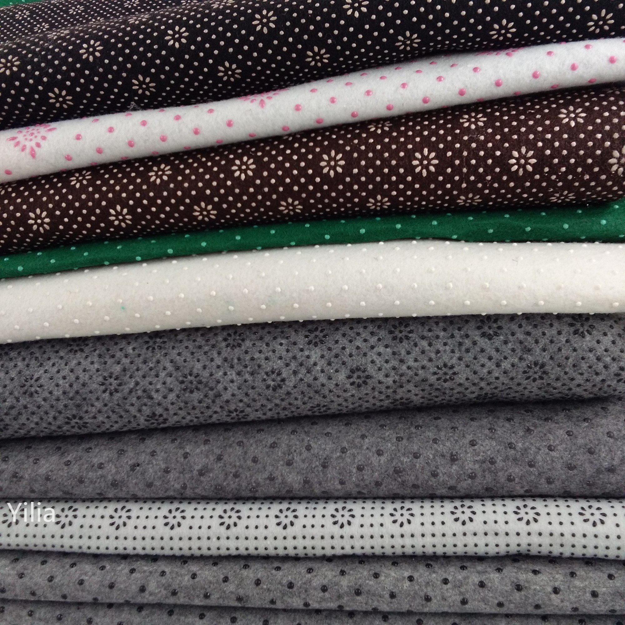 1mm 3mm PVC dotted 100% Polyester non-slip nonwoven carpet underaly backing cloth fabric