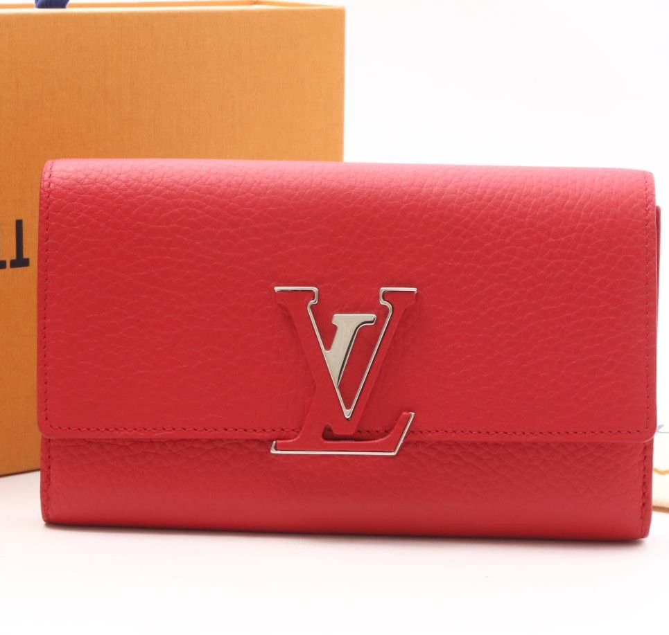 Used brand LOUIS VUITTON M61471 Capucines long Wallet for bulk sale.