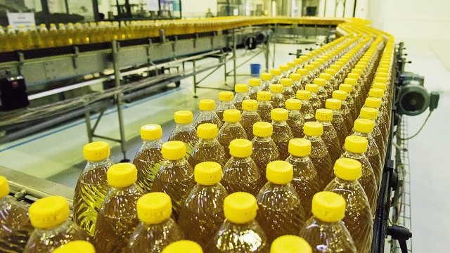 Sell Refined, deodorized sunflower oil (received from pressed oil) of «P»