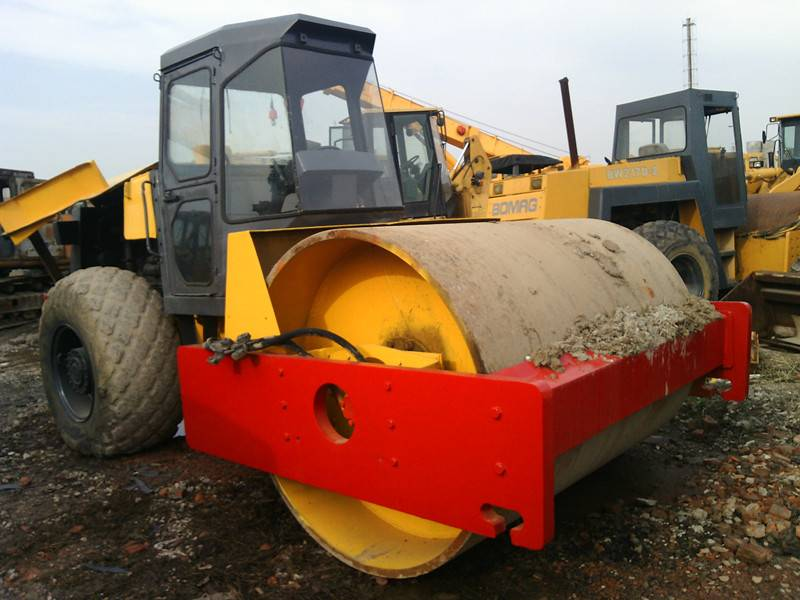 Used Dynapac Road Roller CA25D in good condition