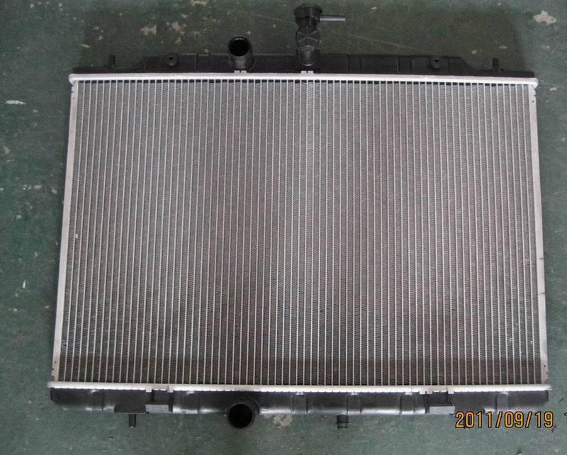 Nissan Xtrail auto radiator 21400-JG000