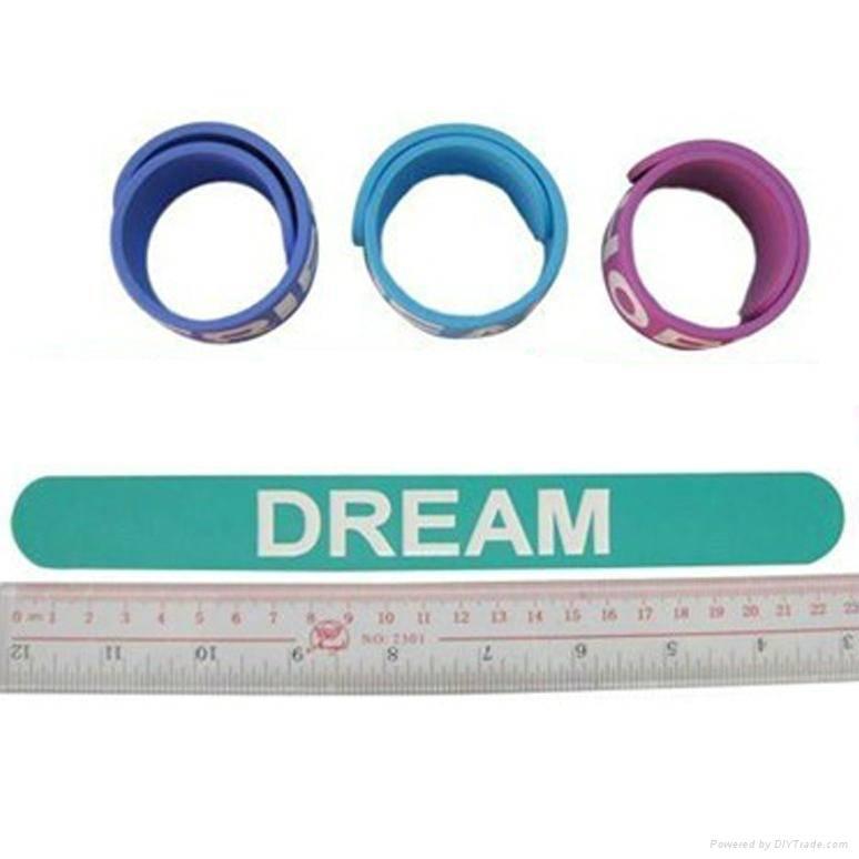 Silicone slap bracelet