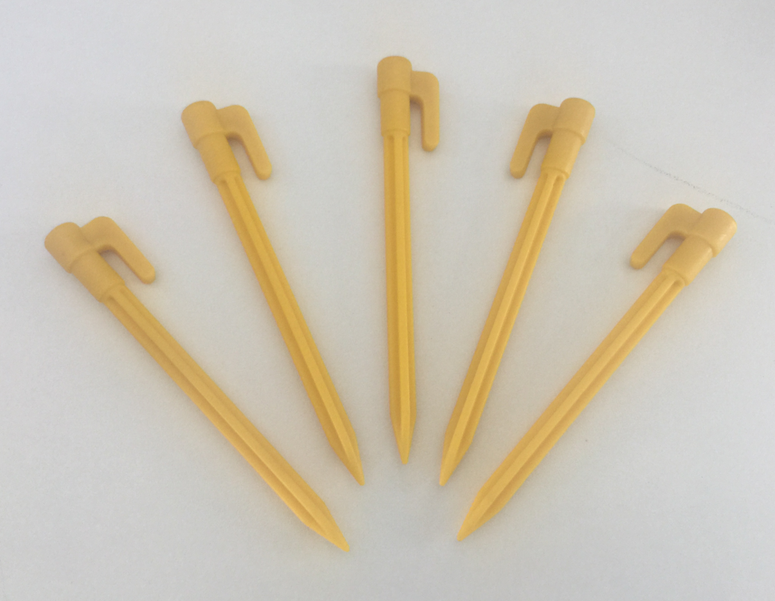 Plastic tent stakes P/N 50631