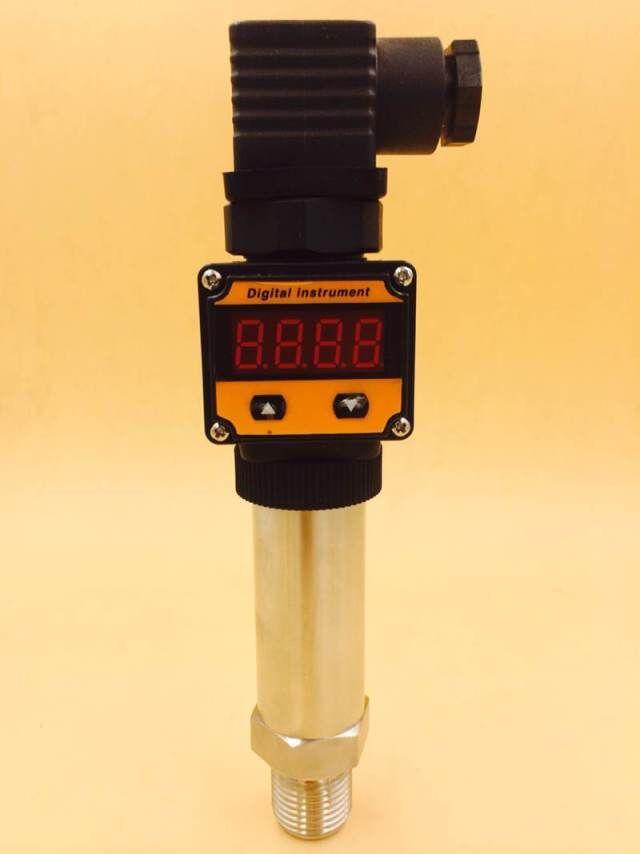 Display pressure transmitter