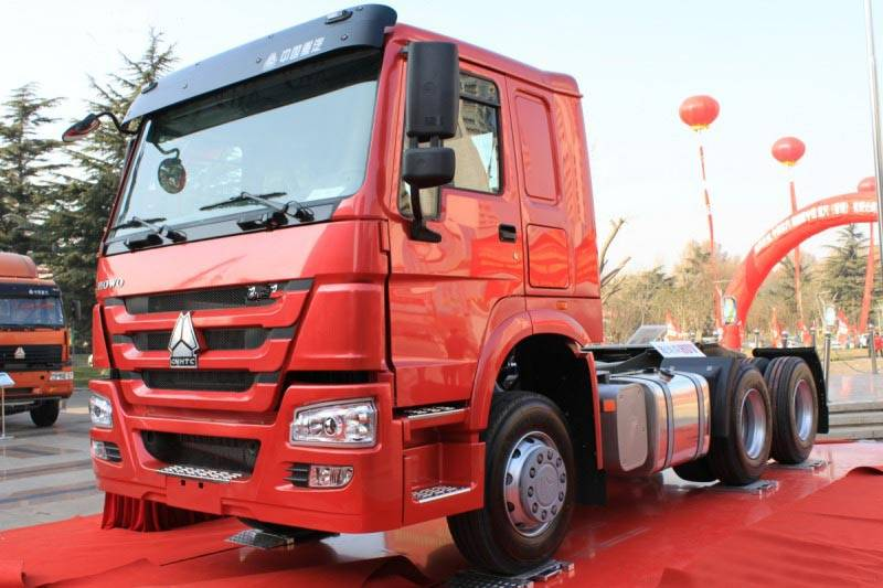 Sinotruk Howo Tractor Truck Loading 30-50tons