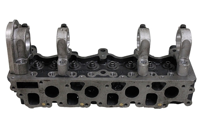 Nissan Engine Parts LD23 Cylinder Head 909014 with Bracket