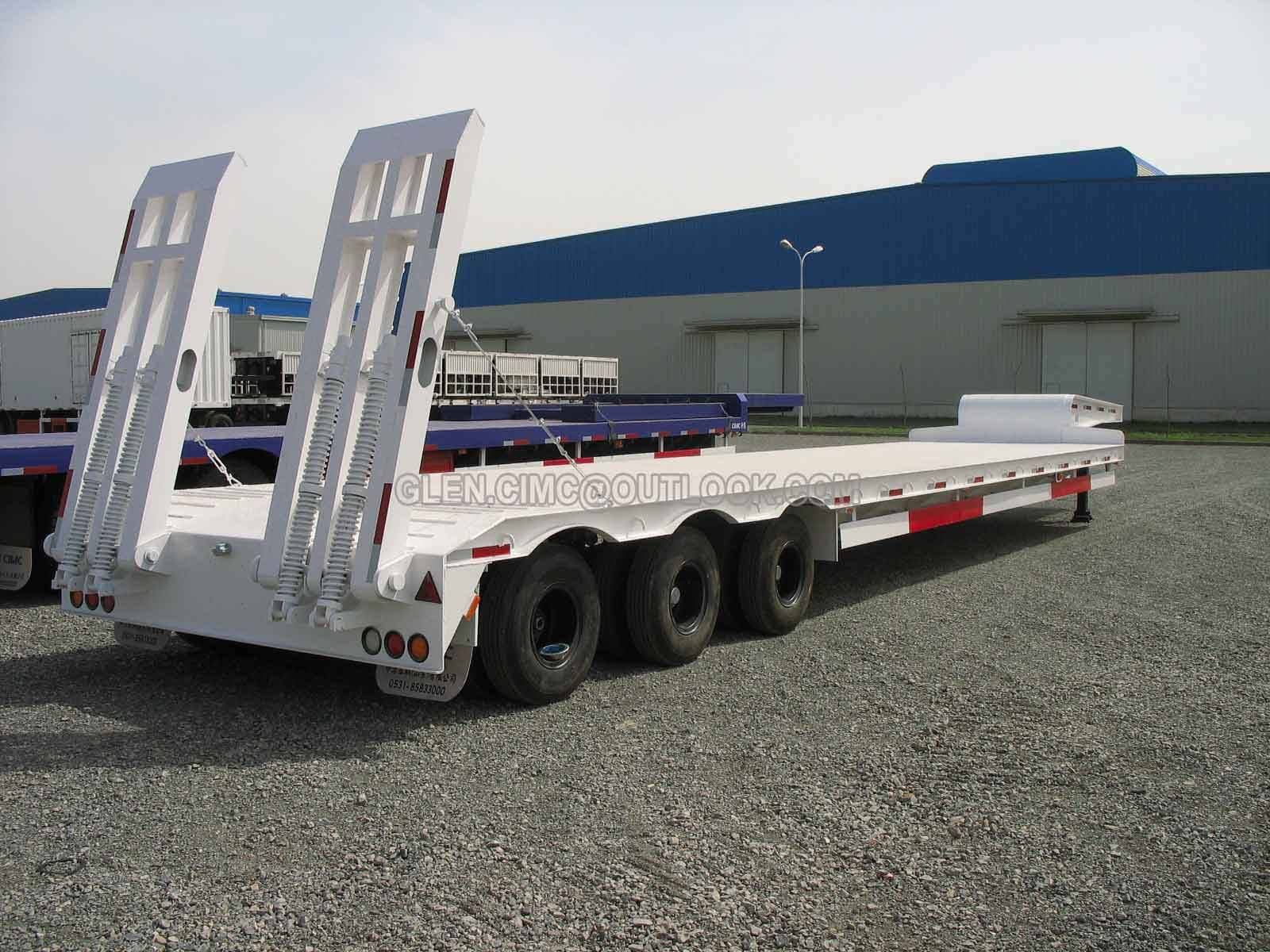 Low-bed Semi-trailer