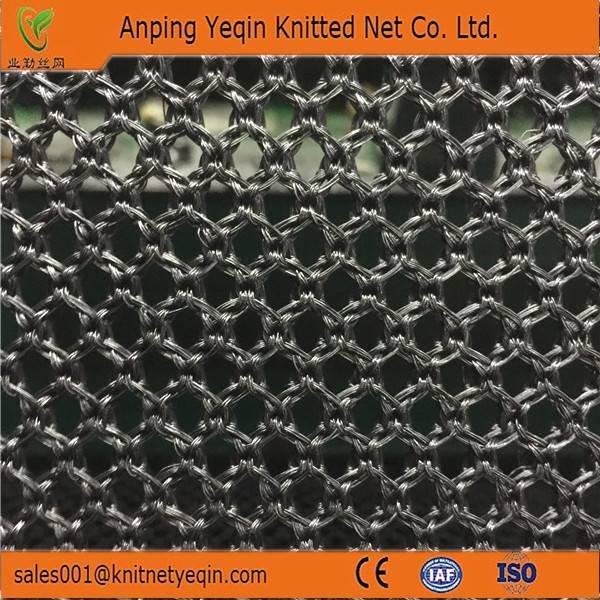 Flexible windbreak dust-controlling nets used in wharf