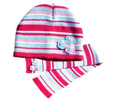 simple knitted hat set