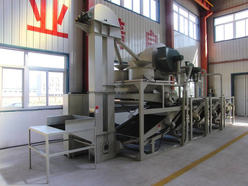 Sunflower seed dehulling & separating machine, dehulling machine