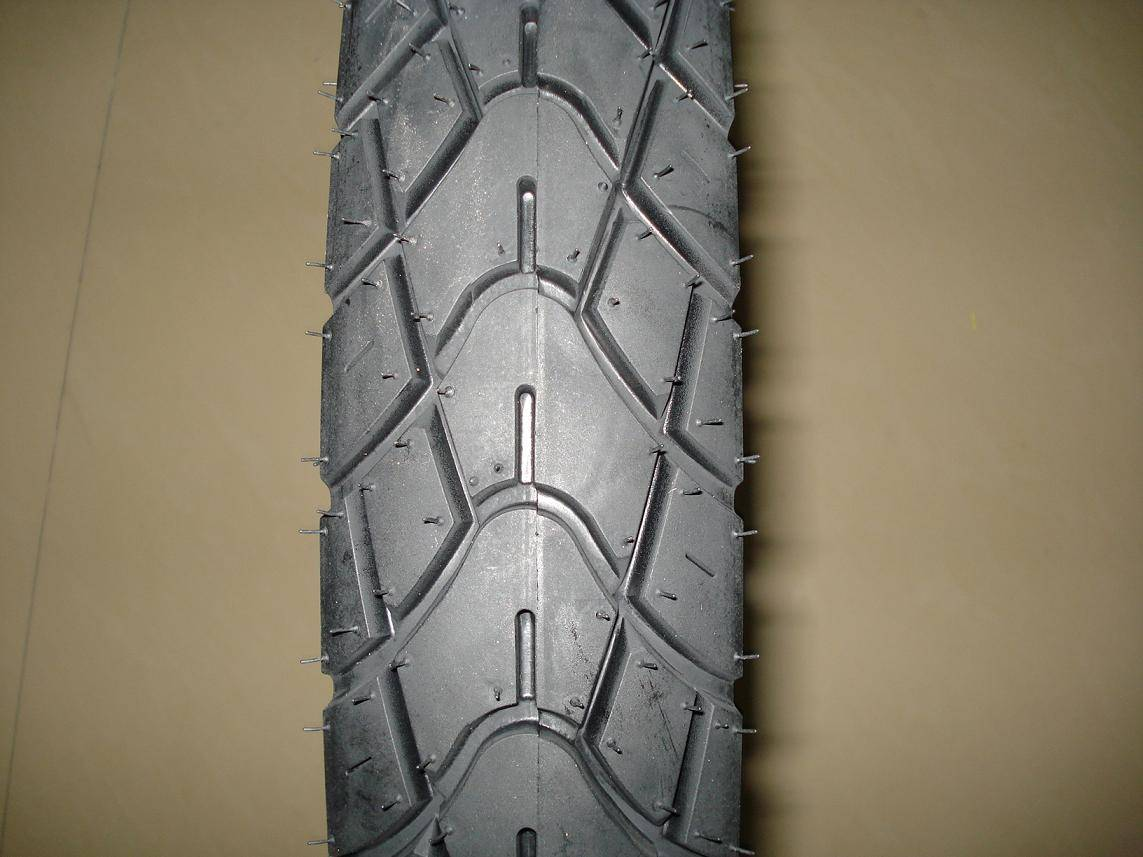 TUBELESS TYRE MOTORCYCLE TIRE 110/90-16 2.75-17 3.60-18