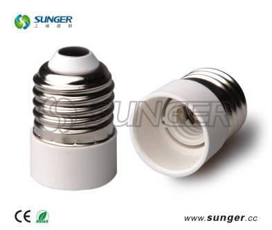 Type of E27-E14 socket