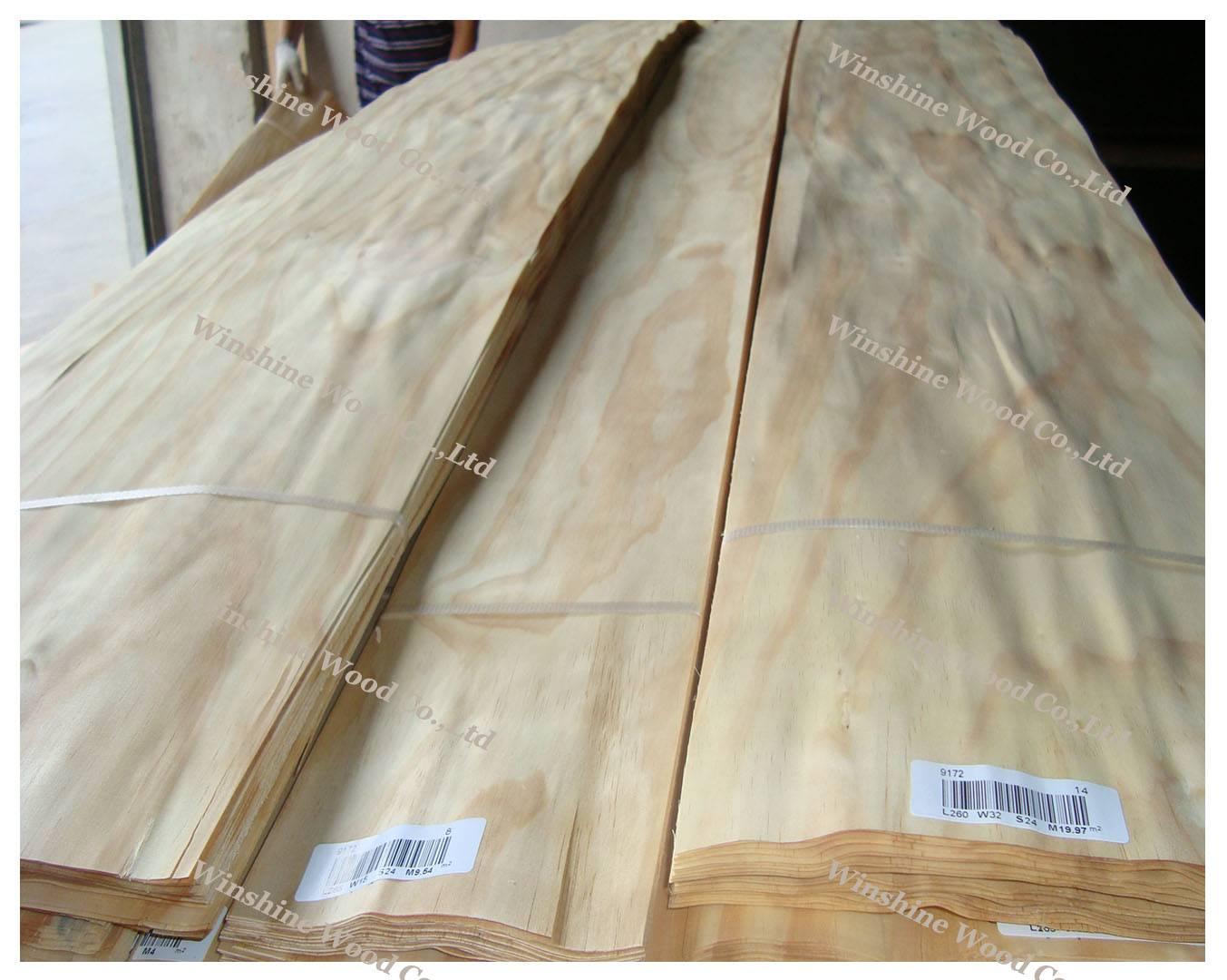 New Zealand Pine wood veneer
