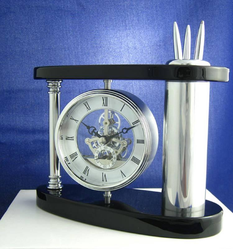 Conda Quartz wooden desk clock K8047