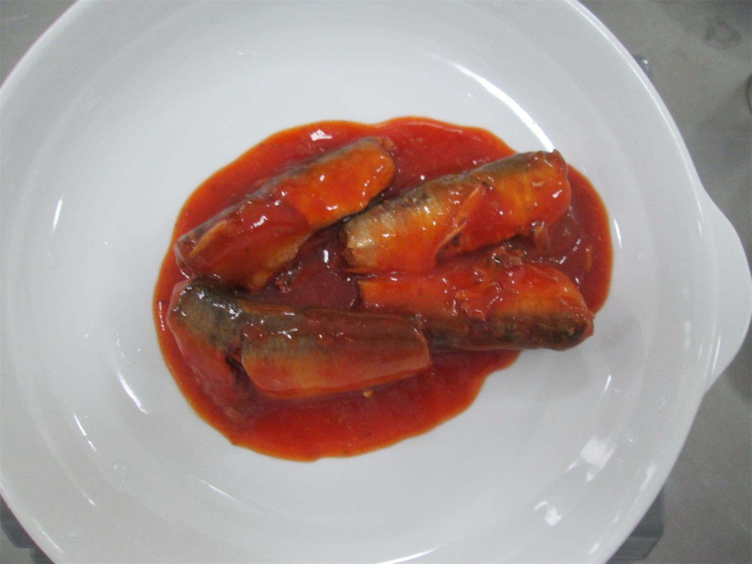 155g/93g canned sardine in tomato sauce with chili,canned fish manufatcurer, cylinder can, ha