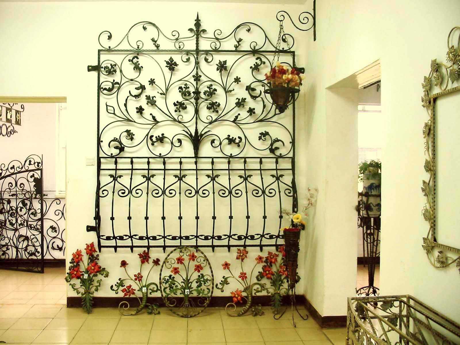 Wrought iron safty window iron home decor shijiazhuang for Iron home decor