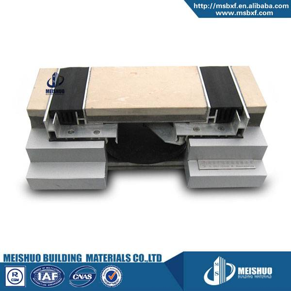 Flush rubber floor expansion joint filler