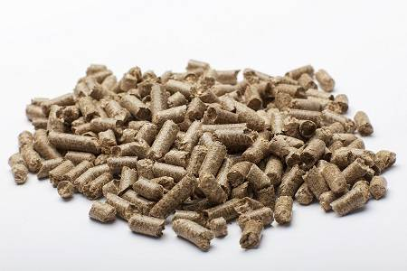 Straw pellets livestock bedding