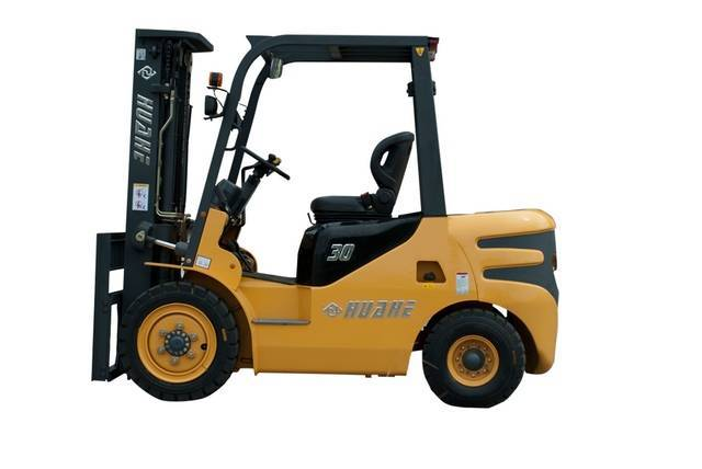 Huahe 3.0T Diesel  Forklift (HH30Z-W1-D)with ISUZUC240