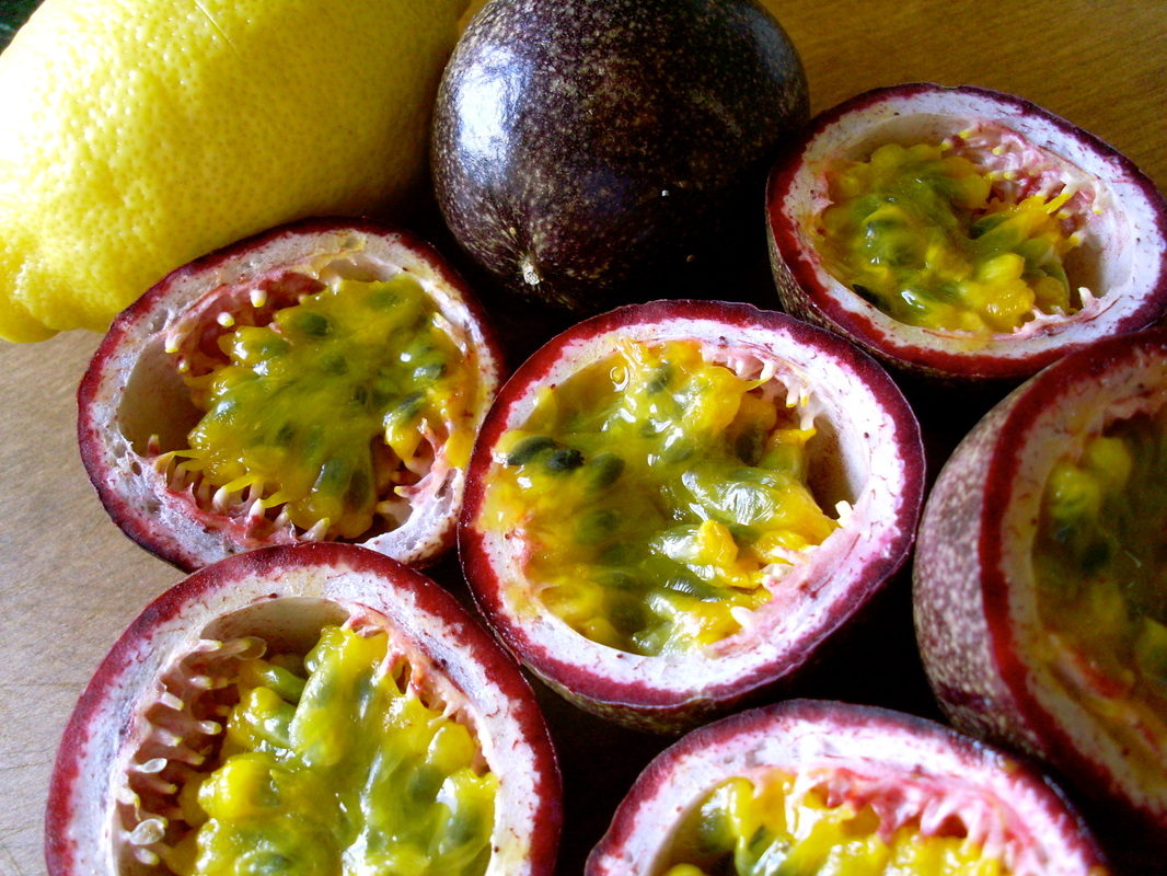Fresh Passion Fruit FOR SALE