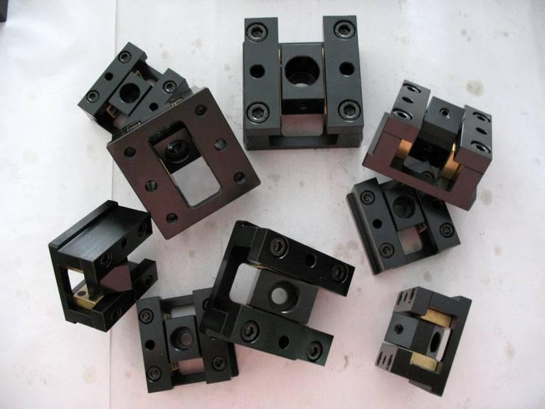 slide core unit