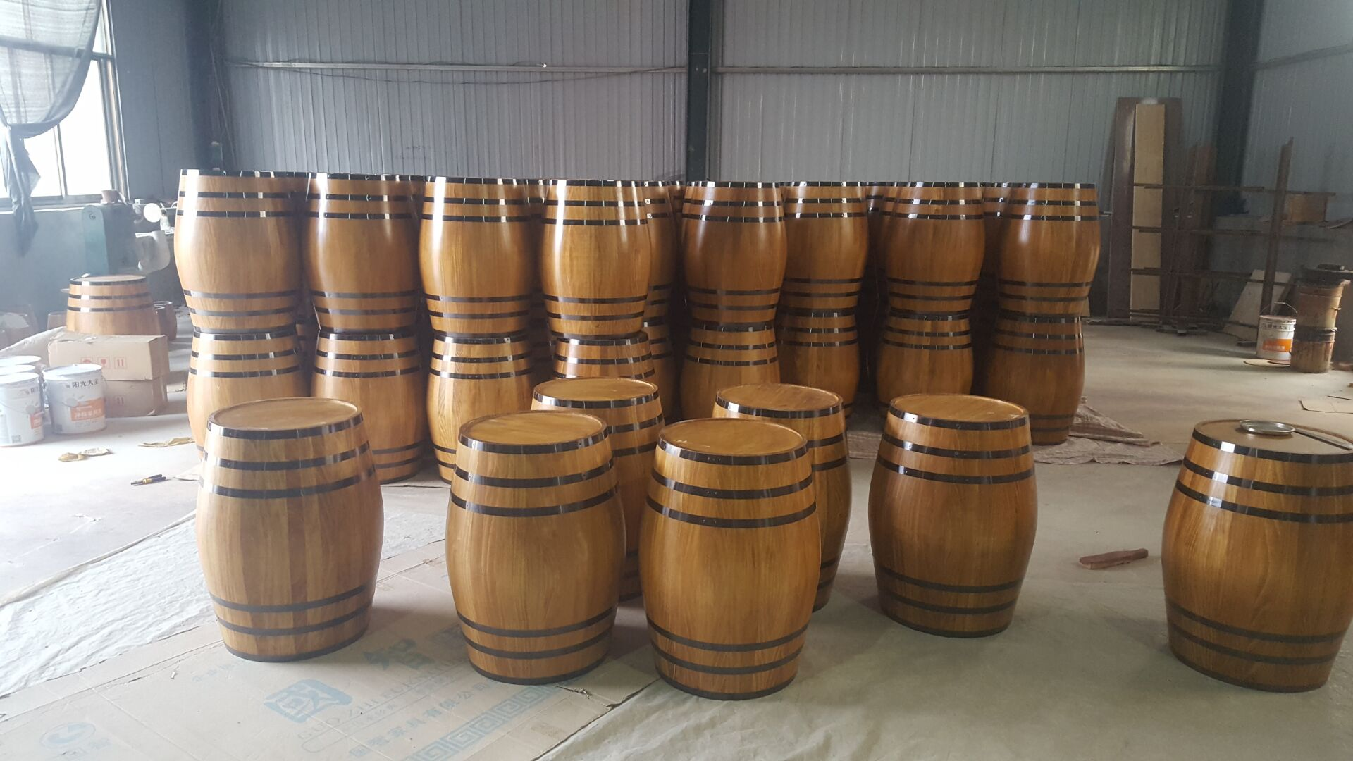 decorate barrels for display ,pine decor barrel manufacture