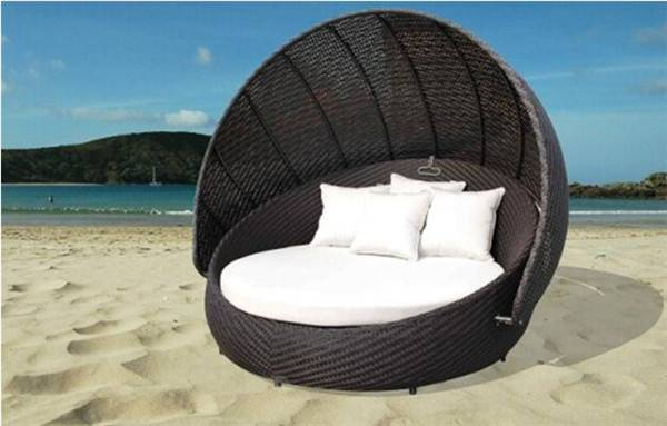Outdoor beach bed with canopy