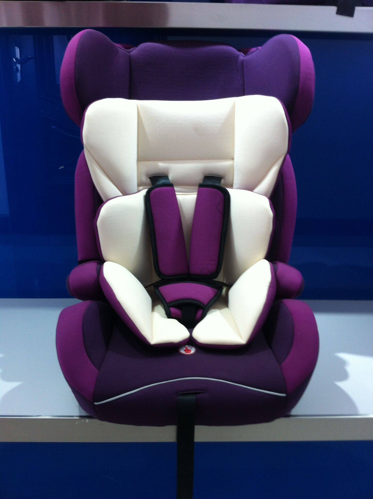 CAR CHILD SAFETY SEATS 9months to 12 years old