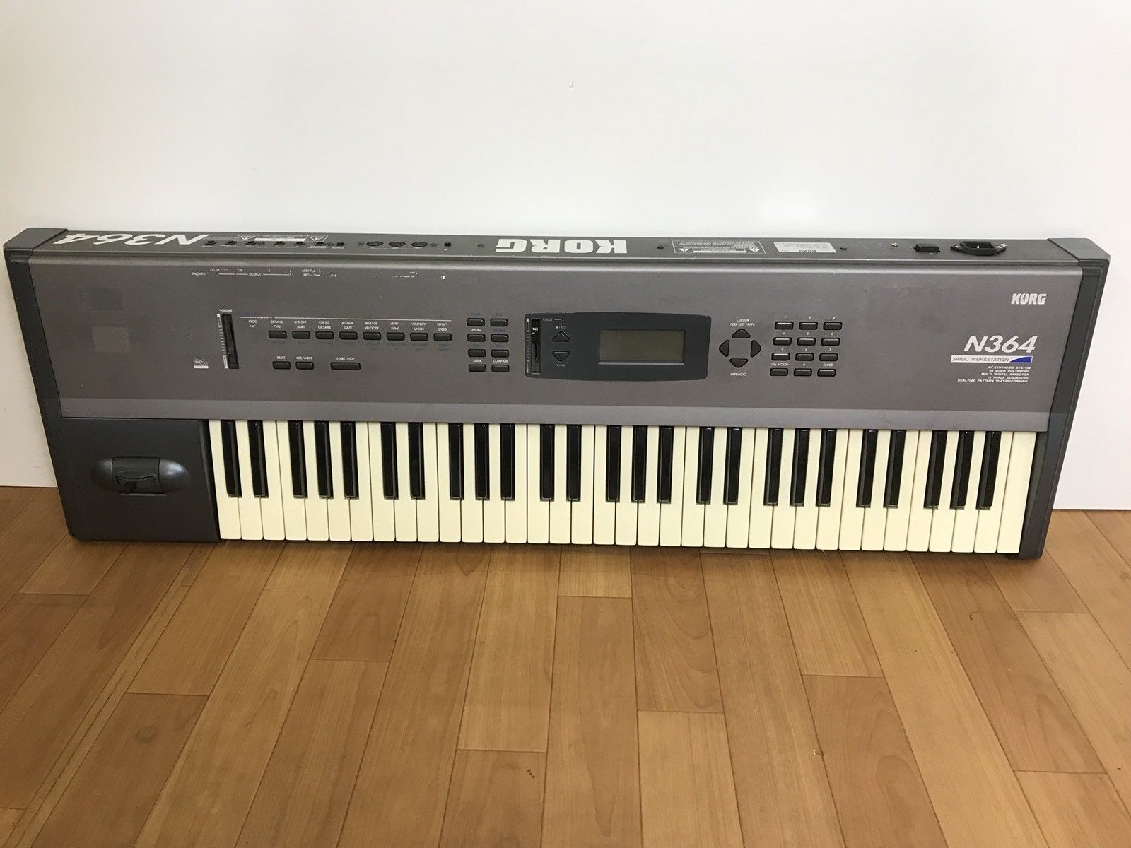Korg-N364-Synthesizer-Workstation-in-Good-Condition