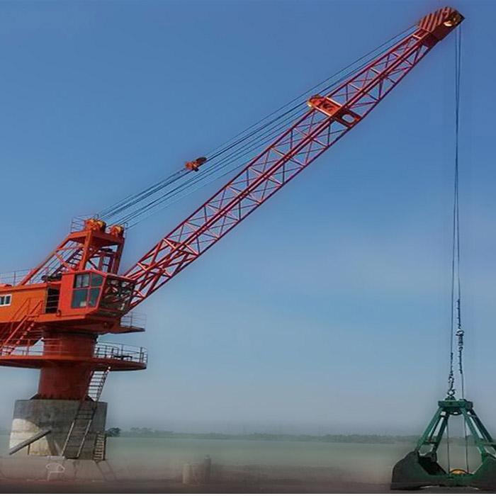 Shipyards port crane 25 ton slewing jib portal crane for sale
