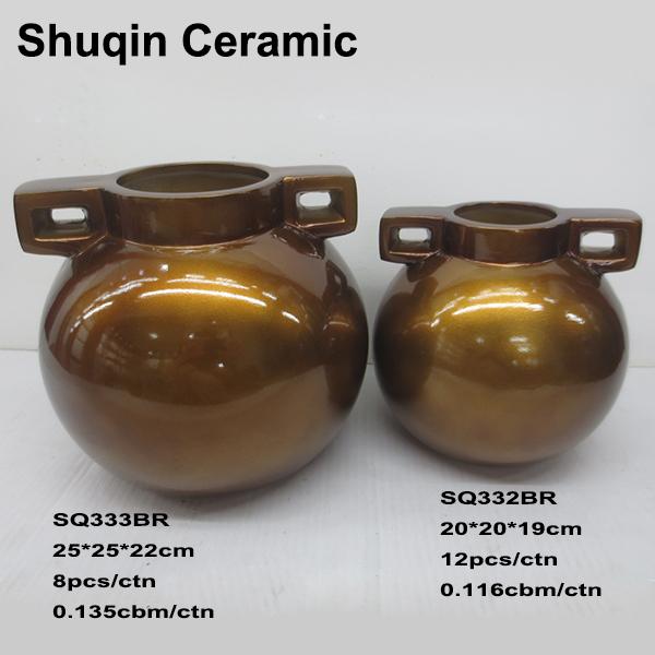 vase in dolomite material