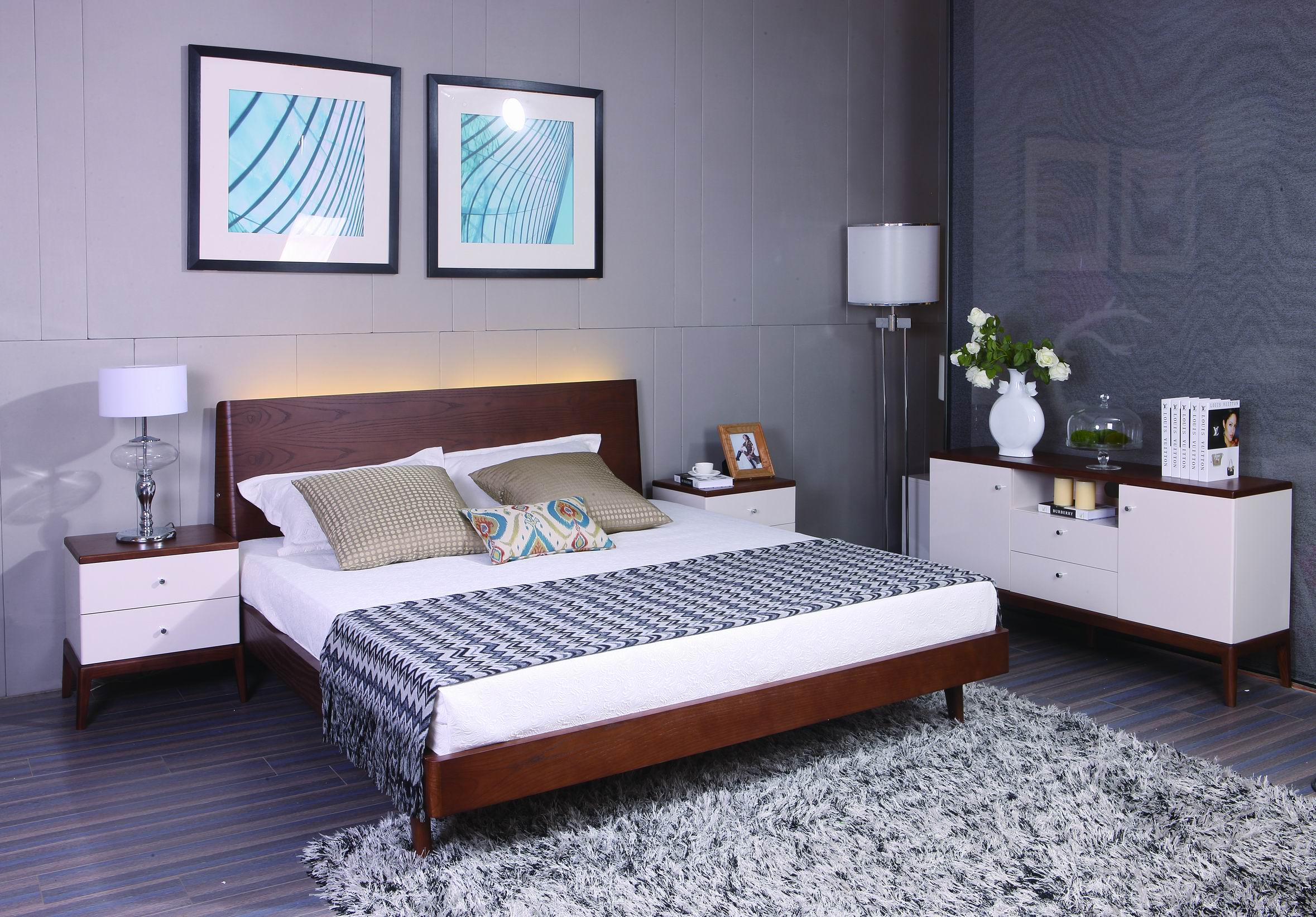 solid wood and white lacquer bedroom furniture with LED light
