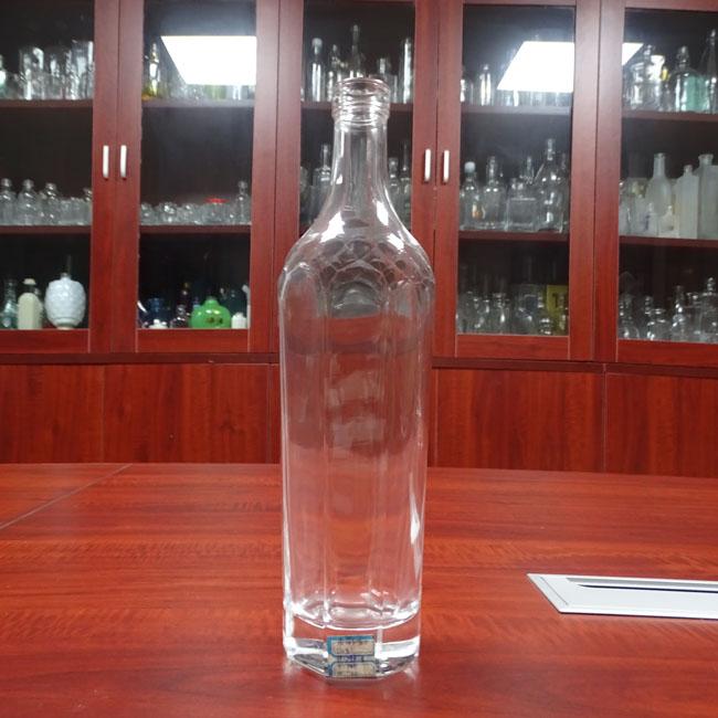 700ml Clear Glass Wine Bottle