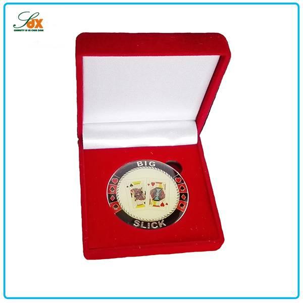 Factory Direct Sale Metal Cheap Custom Souvenir Coins / High End Soft Enamel Poker Coins With Box