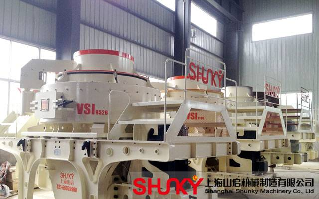 the sand making machine plays well Sand making machine absorbed the advanced technology of the same products of barmac company of america, now is of the international level sand making machine plays an important role in crushing minerals into pieces.