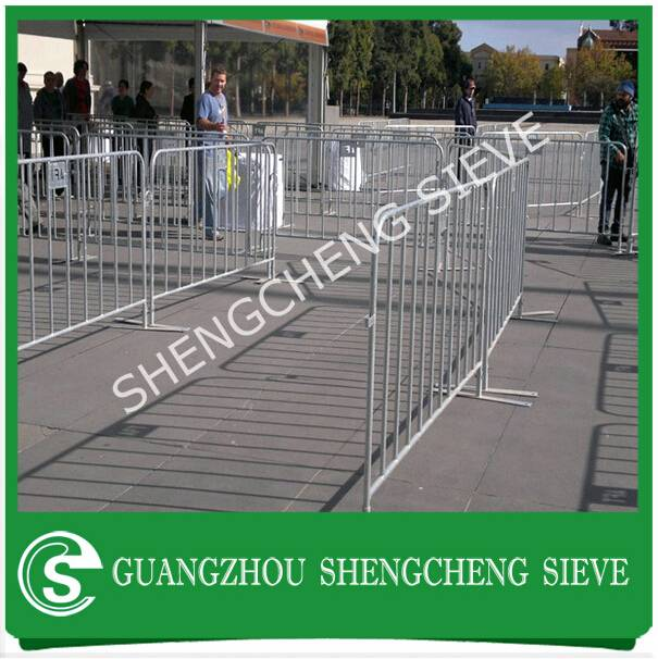 Customized steel tube temporary event fencing crowd barrier for advertising