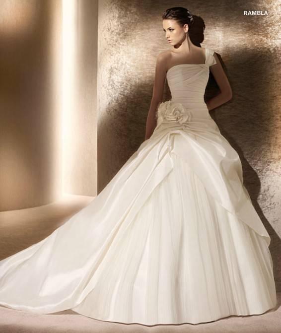 Goingwedding One Shoulder Taffeta Tulle Puffy Skirt Long Tail Wedding Dresses SP017