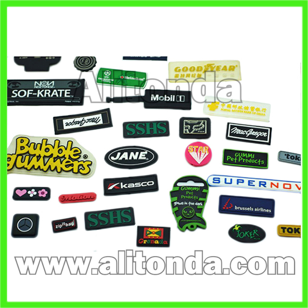 Custom high quality soft pvc silicone badges for clothing apparel bags