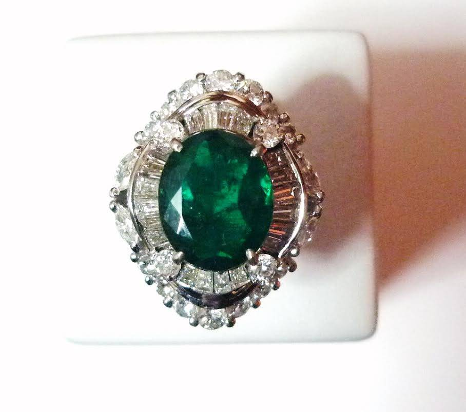 Silver rings with colombian emeralds