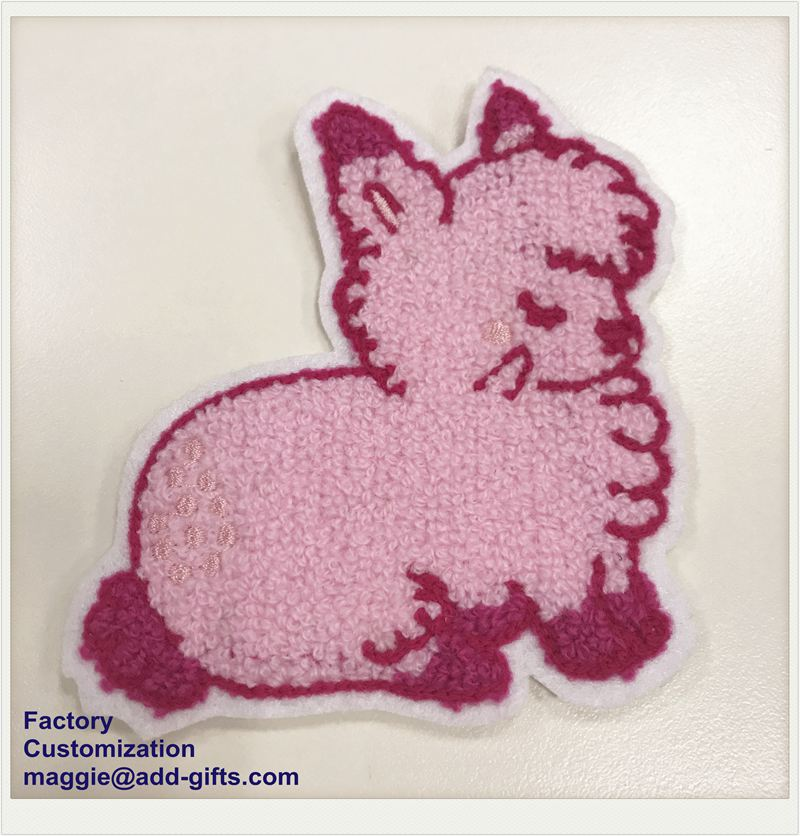 Chenille Patch Pink Rabbit Patch ODM Custom-Made Iron on Back Patch Embroidery badge