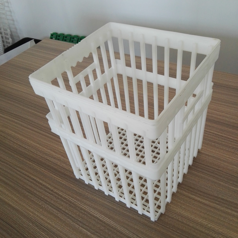 Plastic crate for poultry egg transportation